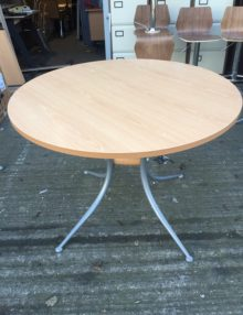 Used Beech Della Rovere Round 1200mm Table