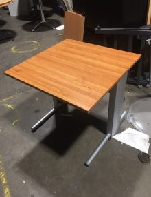 Used 800mm Cherry Desks